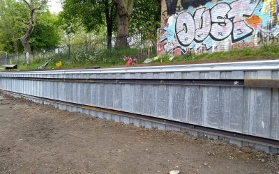 Aménagement du Canal d'Hertford (Londres, Angleterre) avec des ancres au sol Platipus